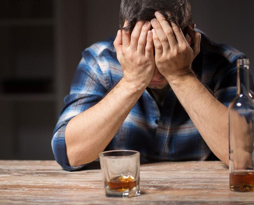 KIEKVIENO ALKOHOLIKO BOKALO DUGNE YRA SVEIKATA